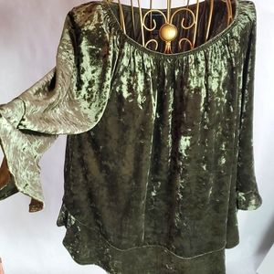 Size M  New Directions Crushed Velvet Top